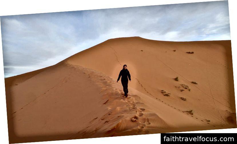 Cồn cát lớn nhất trong tầm nhìn ở Sahara.
