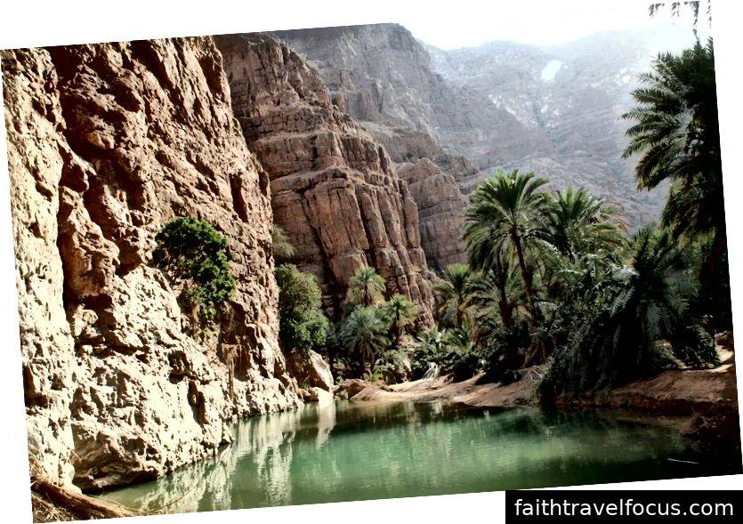 Wadi Shab | Tín dụng hình ảnh: Ian Sewell, Oman-Wadi-Shab-34, CC BY-SA 3.0