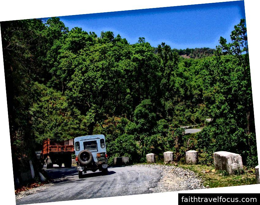 Đường qua Rajban