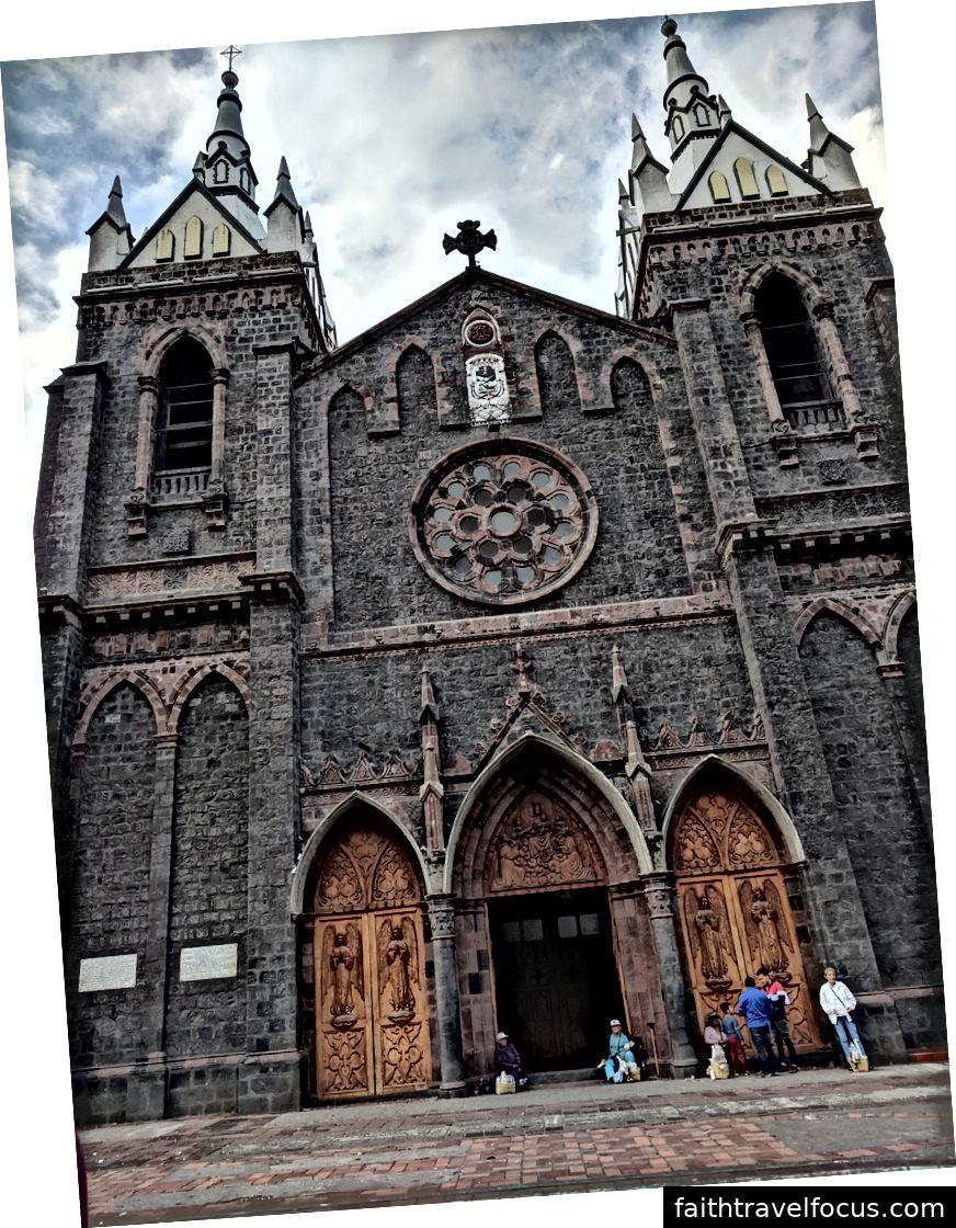 Nhà thờ chính tòa.