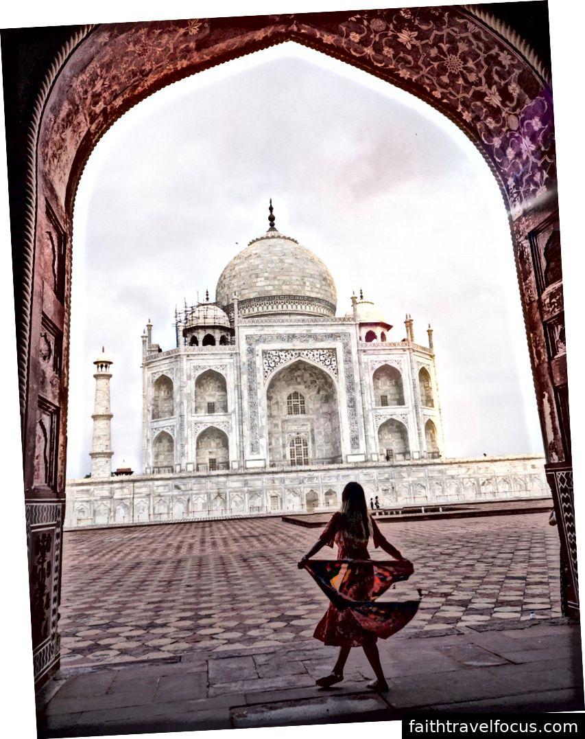 Hình ảnh tôi chụp tại Taj Mahal ngay sau khi mặt trời mọc