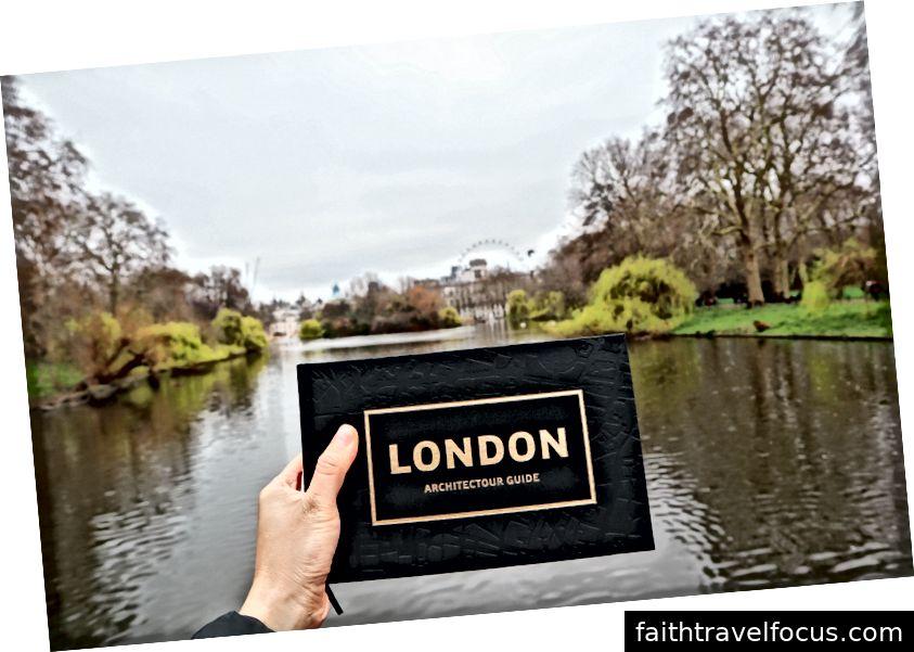 Công viên St Jamesiên với London Eye trong nền
