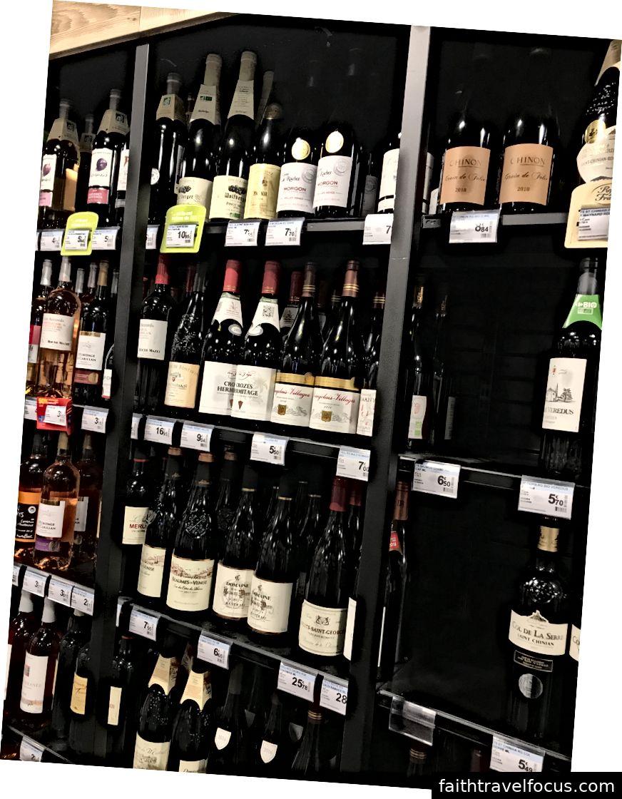 Mỗi loại rượu là Pháp, rẻ tiền, và tốt.