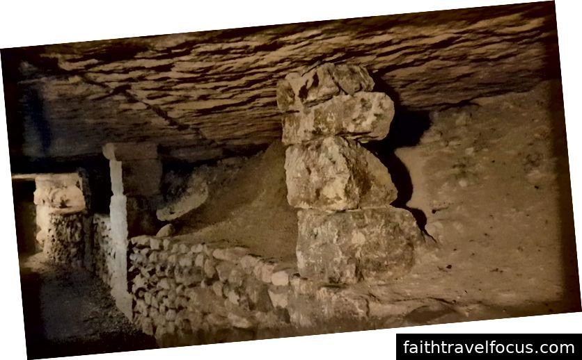 Ngày mà khu vực đặc biệt này của mỏ đá được củng cố // Các trụ cột giữ trần