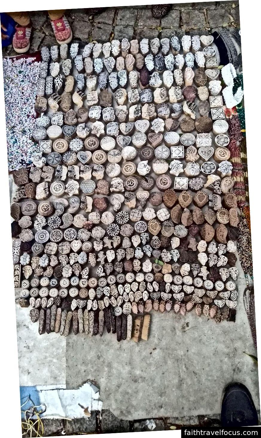 Tem in gỗ