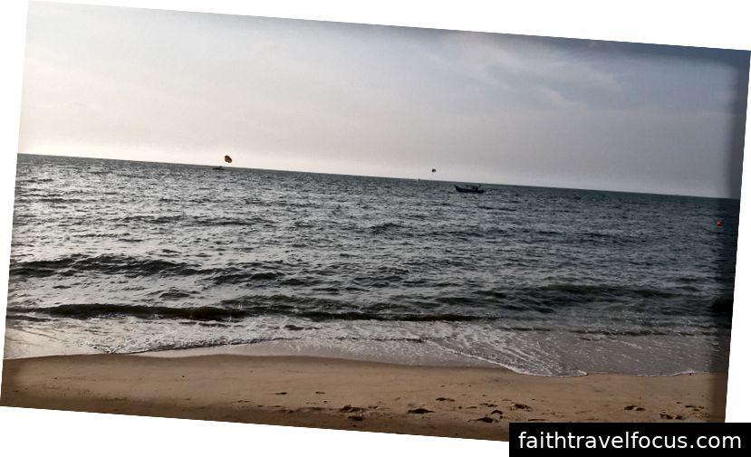 Hoàng hôn trên bãi biển
