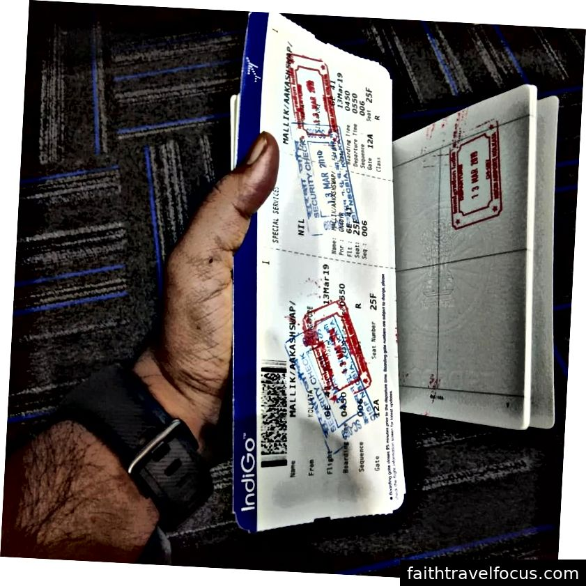 Một con tem trên hộ chiếu cho đến nay từ bàn nhập cư Ấn Độ