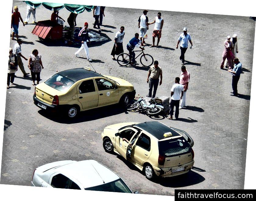 Một tai nạn đường bộ ở Morocco