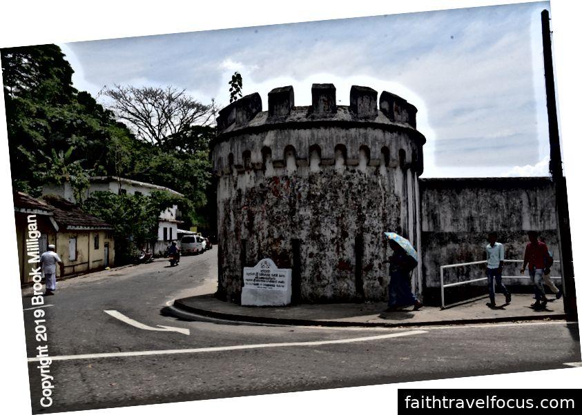 Đây là một phần của pháo đài cũ ở Kandy.