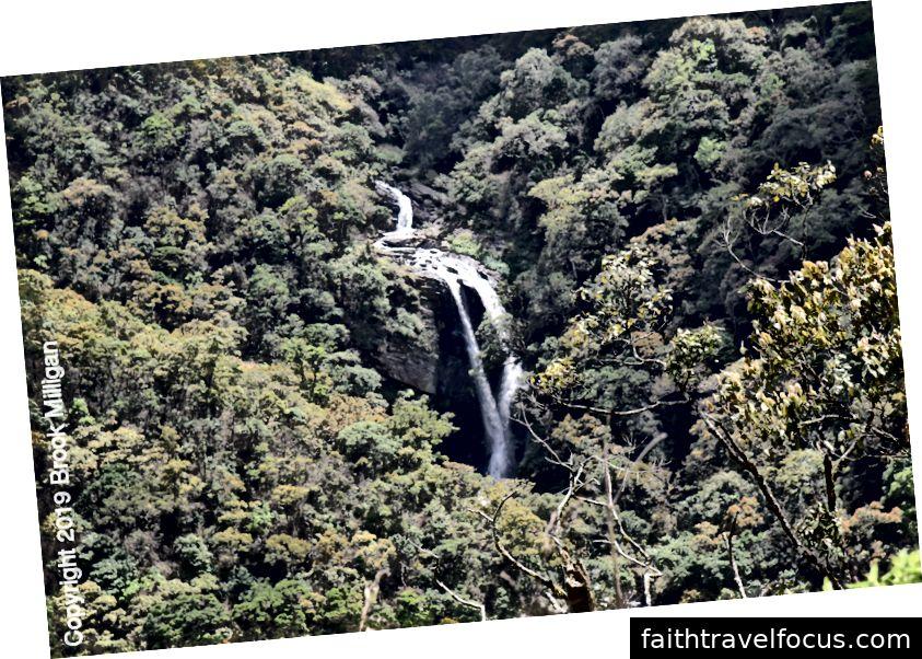 Một thác nước đẹp