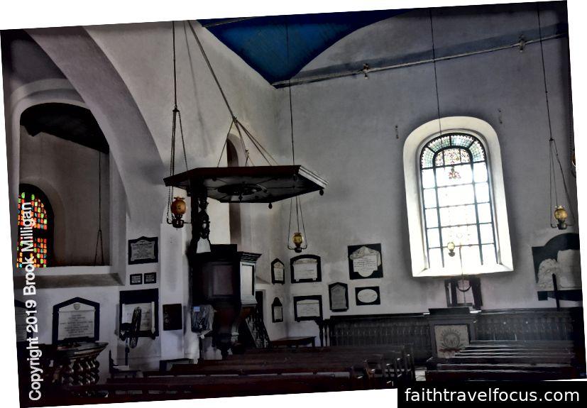 Bên trong nhà thờ cải cách Hà Lan