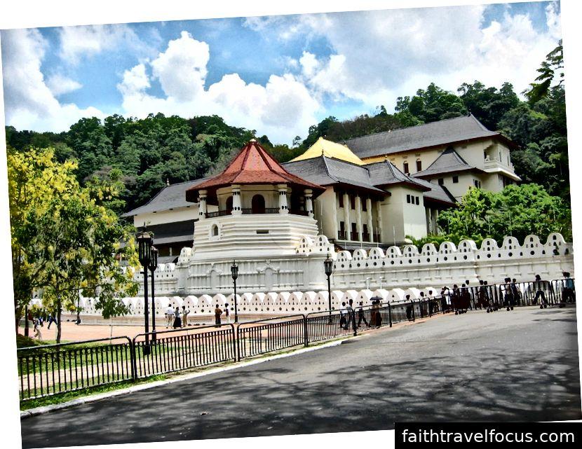 Hình ảnh của Zahntempel Kandy, CC BY-SA 3.0