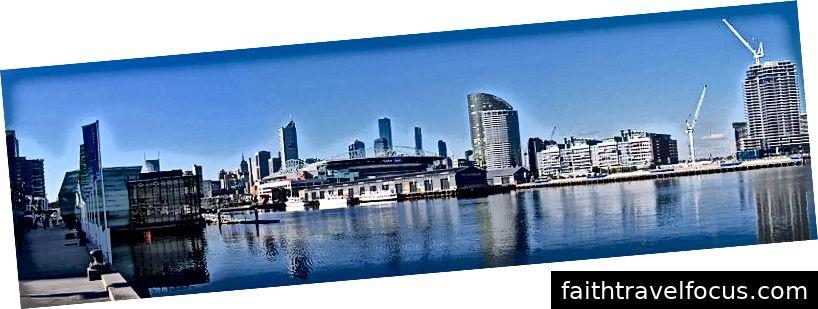 , Melbourne từ Thành phố Bờ sông, Docklands Pano, 20,07,06, CC BY-SA 3.0