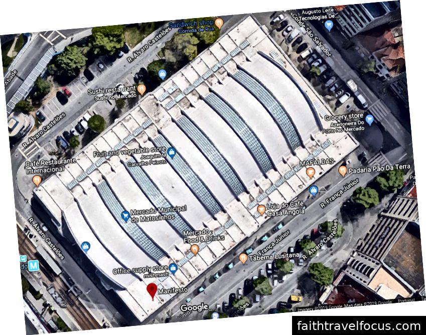 Manifesto nằm ngay rìa tòa nhà Mercado cùng với rất nhiều cửa hàng, quán cà phê và nhà hàng độc lập