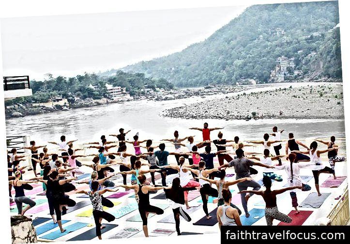 Yoga ở Rishikesh