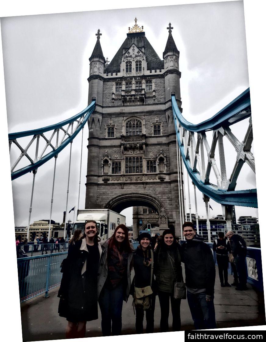 Dưới cầu London, Cầu Tháp