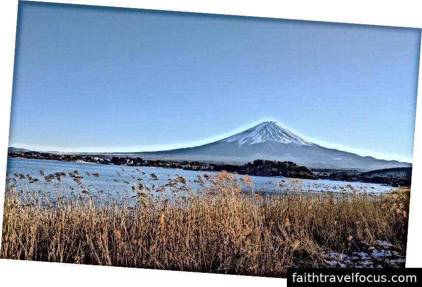 Núi Phú Sĩ với hồ Kawaguchiko