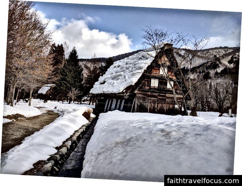 Ngôi nhà cổ ở làng tuyết Shirakawa-go