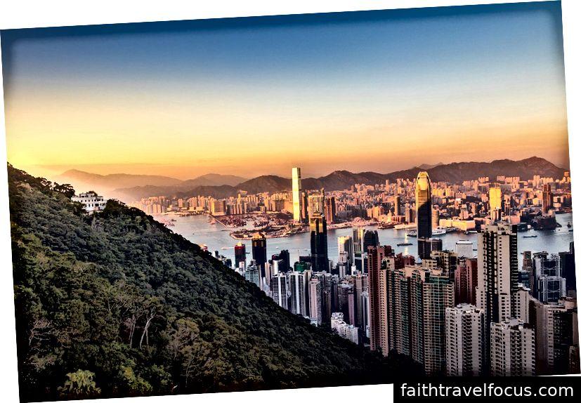 HongKong | Via-Pixabay, nextvoyage, Muff