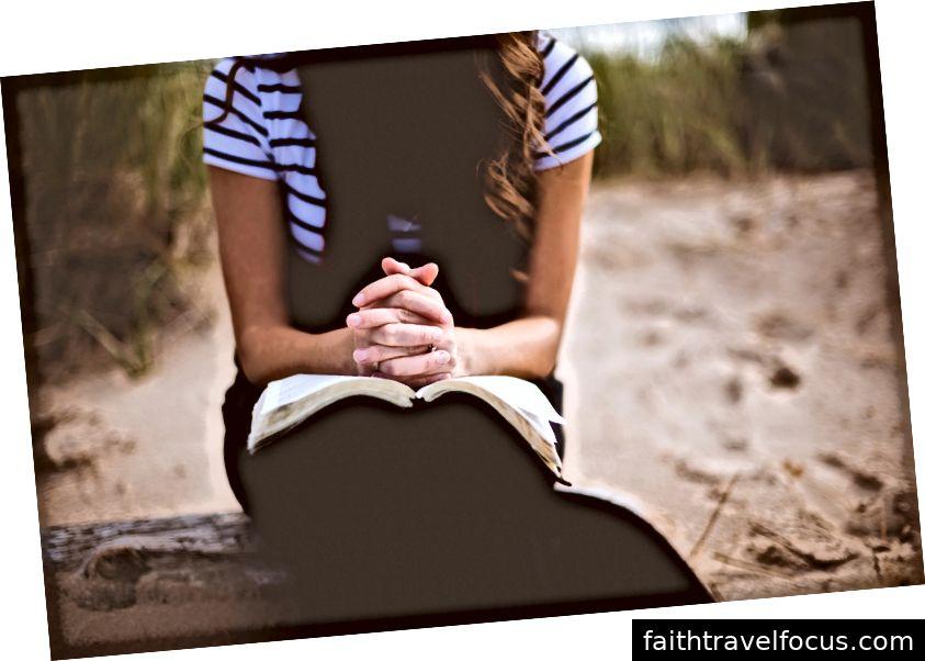 Dieu vous aidera à décider et vous donnera la paix dans votre décision si vous le demandez Photo de Ben White sur Unsplash.