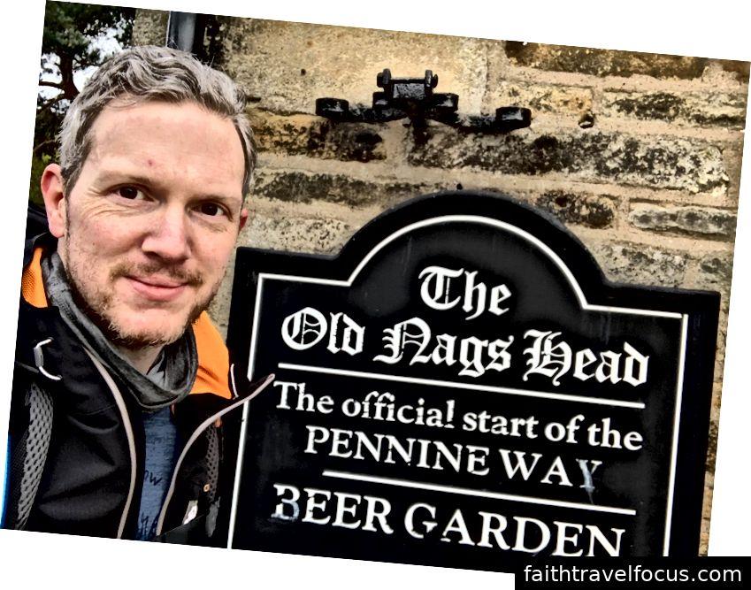 Pennine Wayの公式スタート。
