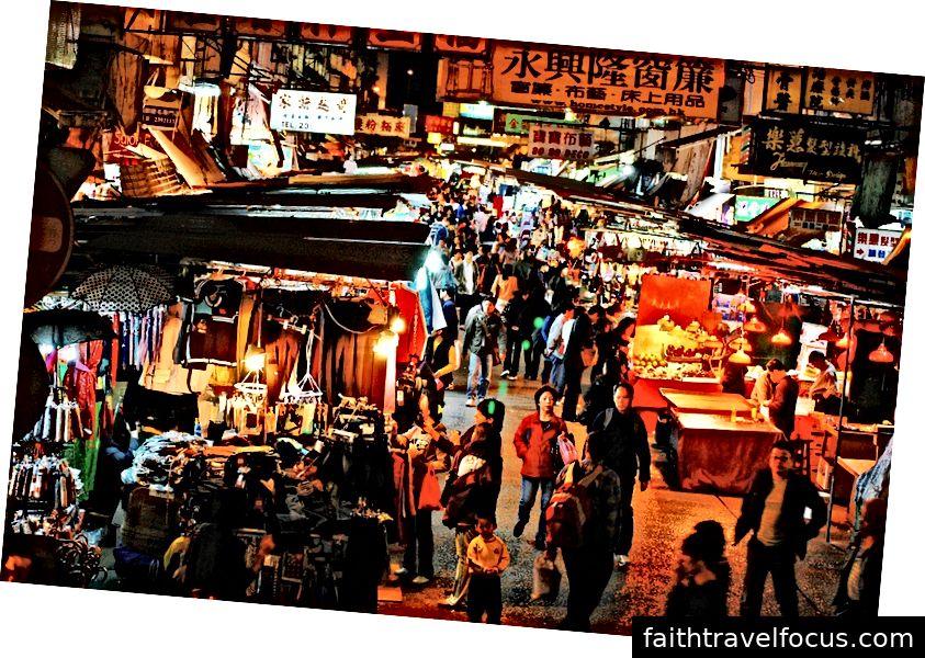 HongKongNightMarket | Via-Pixabay, 1588877, CC0