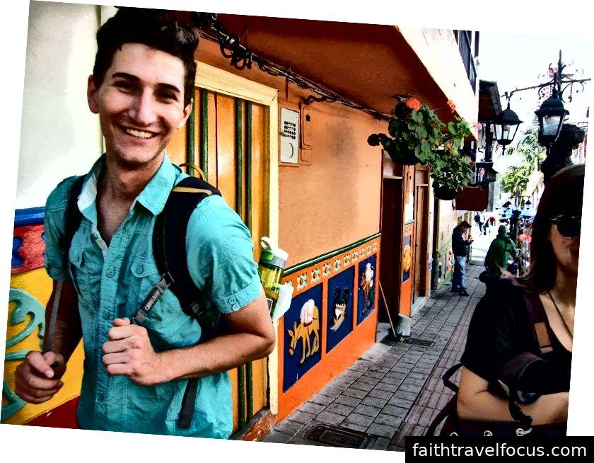 Guatape, Colombia, với tất cả những gì tôi sở hữu trên lưng.