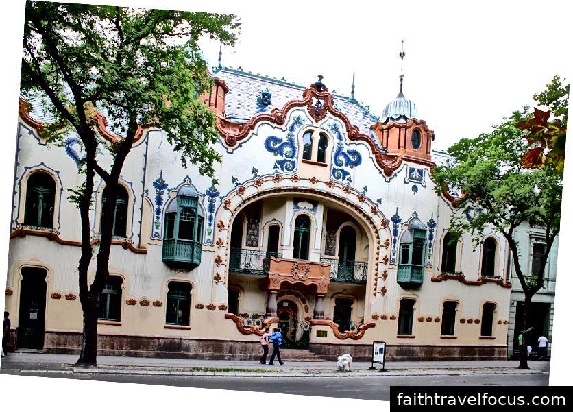Raichle Palace, Subotica, Sérvia. Imagens de Marcin Konsek (CC BY-SA 4.0)