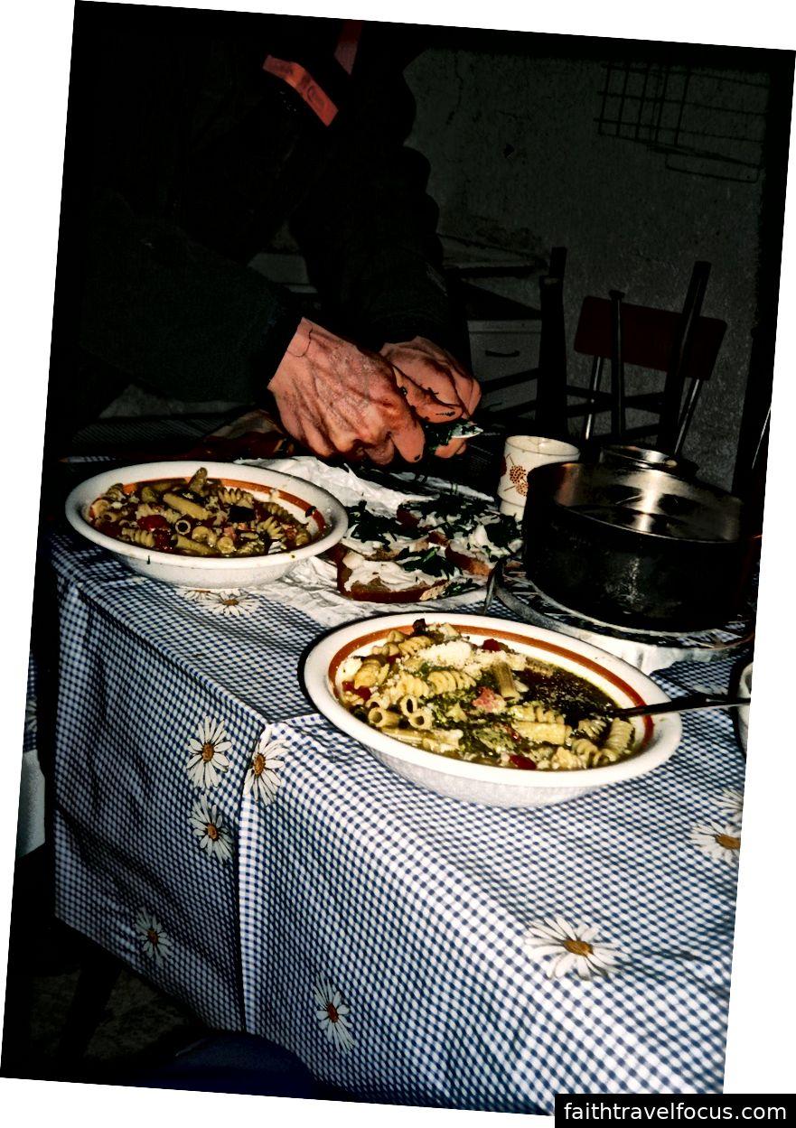 Їжа була прекрасною, в справжній природі вона завжди смачна (можливо, крім сухої каші).