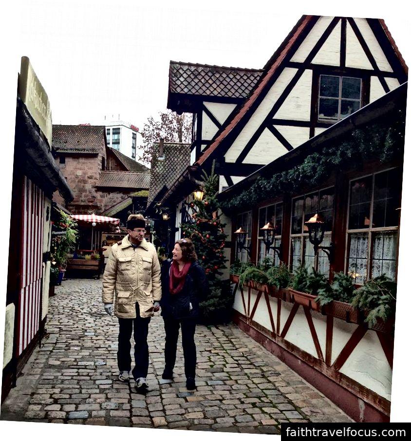 Az emberek 2014-ben örültek, hogy három évtizeddel később visszatértek Nürnbergbe. Az apám még mindig a halhatatlan kabátot viseli, amit a 70-es évek végén költözött.