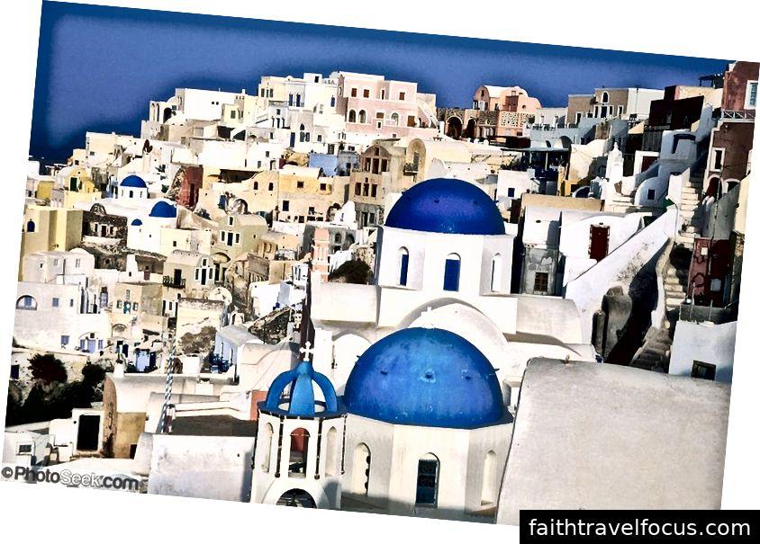 Oia on kreeka Egeuse mere saare Santorini loodeotsas asuv rannikuäärne linn.