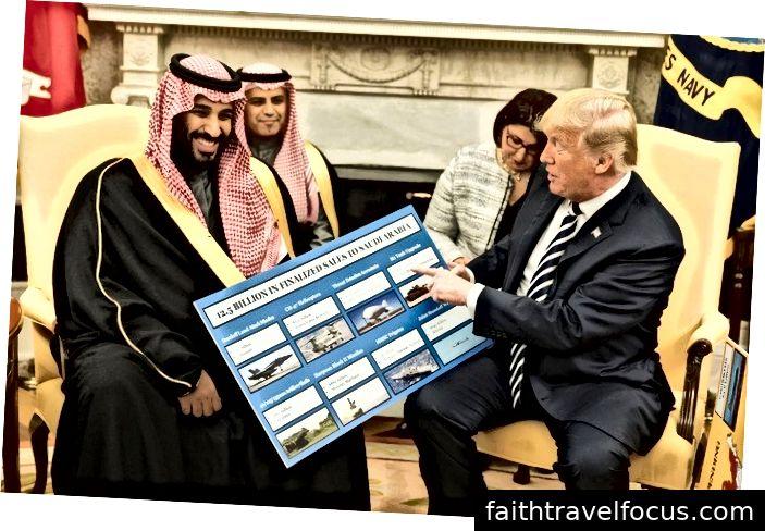 Președintele Donald Trump (dreapta) deține o diagramă a vânzărilor de echipamente militare în timp ce se întâlnește cu Printul Mohammed bin Salman la Casa Albă la 20 martie 2018. Arabia Saudită este cel mai important cumpărător de arme din S.U.A. Newsweek.
