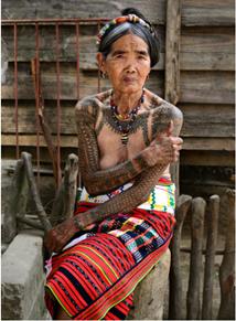 Apo Whang-Od, seorang artis tatu berusia 103 tahun