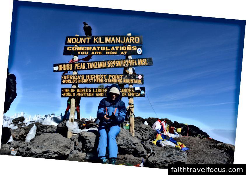 Uhuru Peak, 5895m