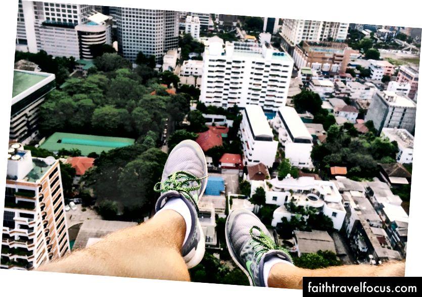 Dobývajúc môj strach z výšok v Bangkoku v Thajsku.