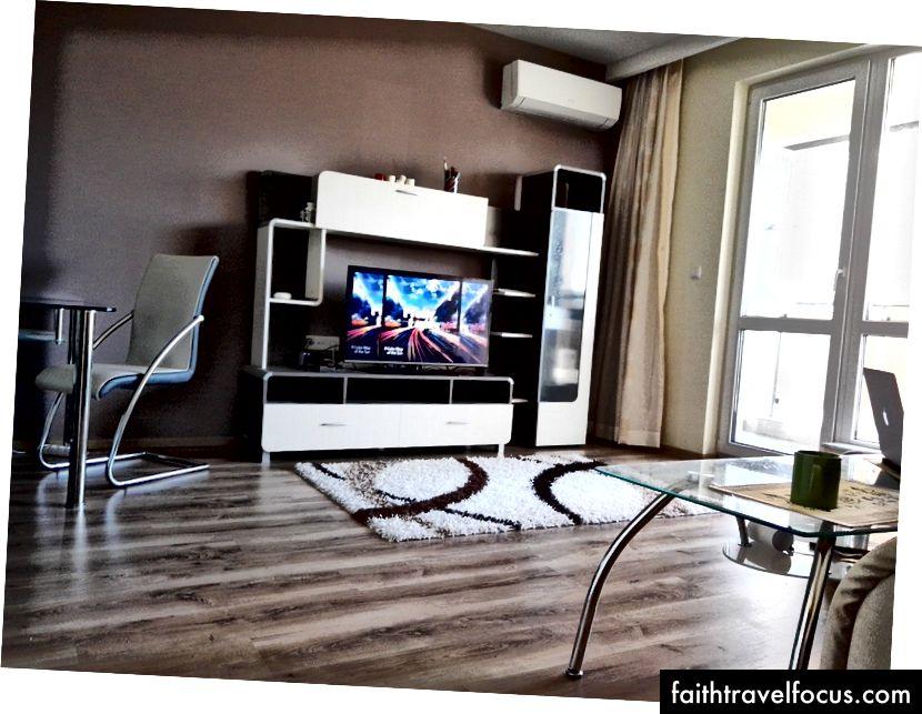 Moderný 1-izbový byt v centre mesta Plovdiv je možné získať za približne 600 leva (300 EUR) mesačne.