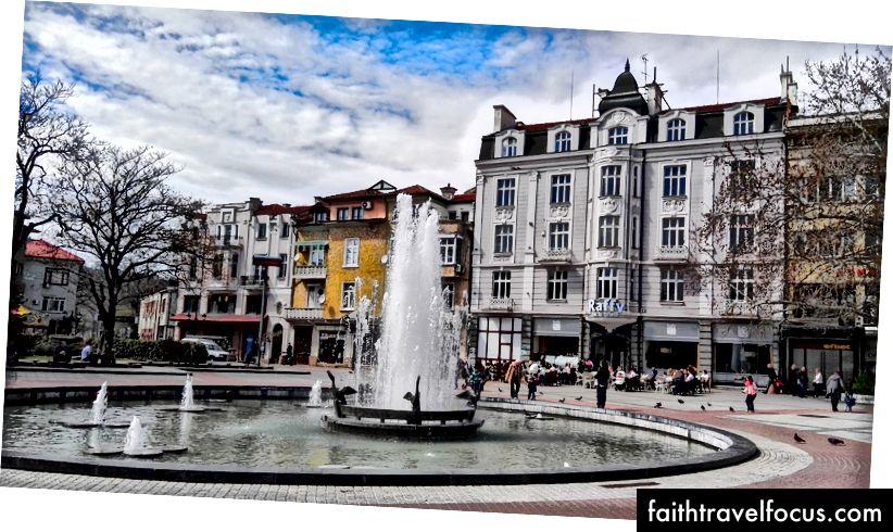 Centrálne námestie v Plovdive v marci