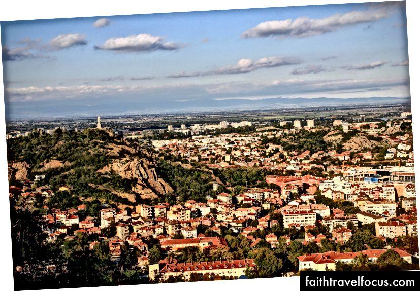 Поглед на Пловдив са једног од брда