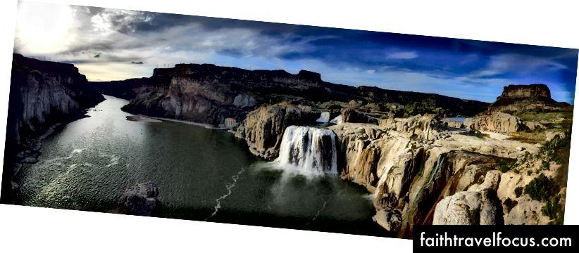 Shoshone Falls na rieke Snake. Keby som bol Evel Knievel, tak by som to skočil.
