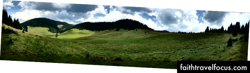 Panoramski posnetek planote Padiș. iPhone 6 Plus: 1/2639 @ ƒ / 2.2, ISO 32