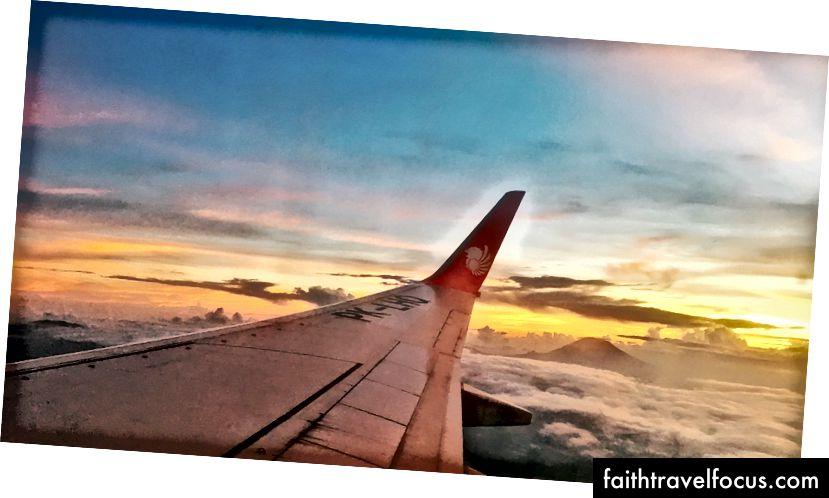 Vedere din zbor către Singapore.