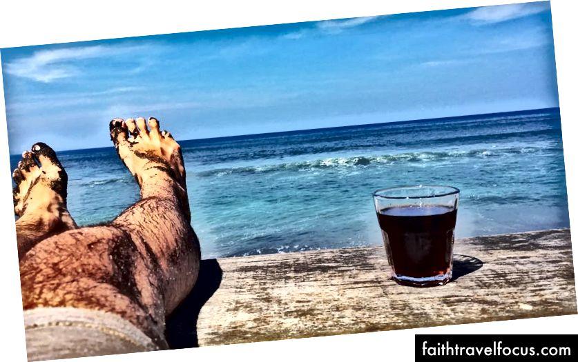 En av de dagene da jeg våknet klokka 06.00 for å løpe på stranden før jeg tok en kaffe med utsikt og fikk meg på jobb.