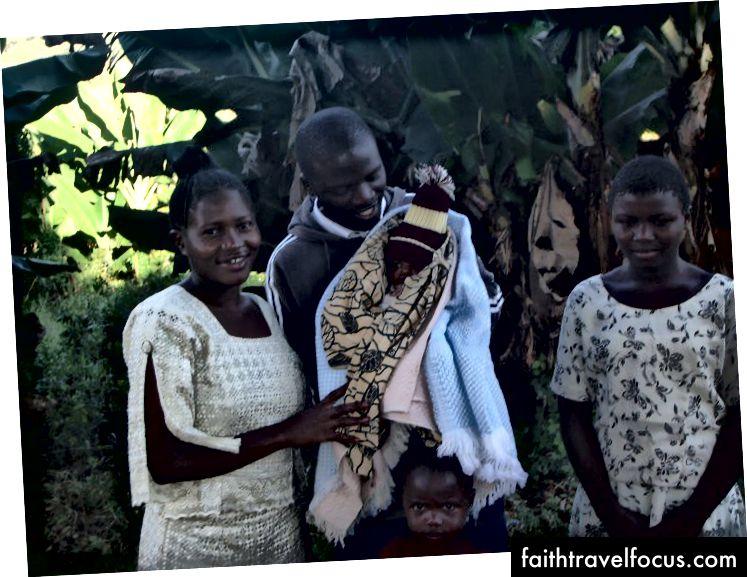 Kassian og Mary Mwenda med sin vakre familie
