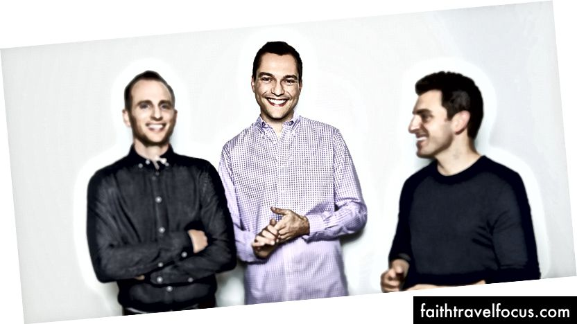 Airbnb ผู้ร่วมก่อตั้ง Joe Gebbia, Nathan Blecharczk (กลาง) และ Brian Chesky