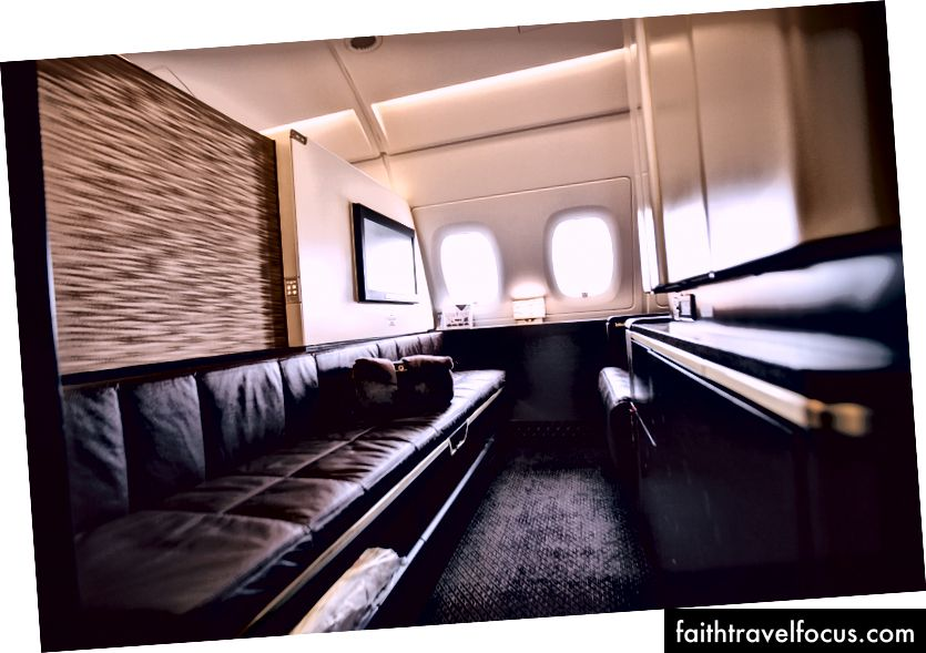 First Class Apartment, skutt på 16mm F2.8.
