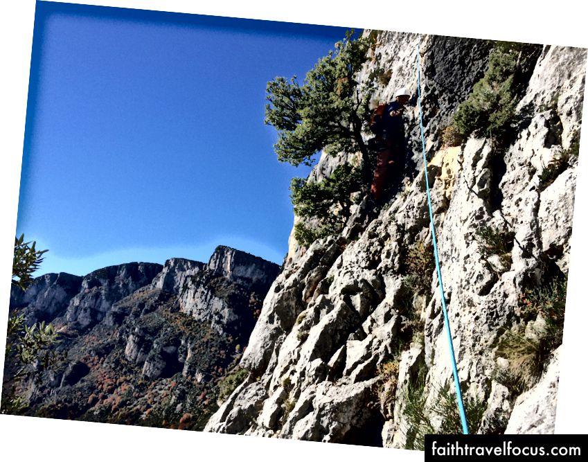 Pendakian Awal pada Afin Que Nul Ne Meure