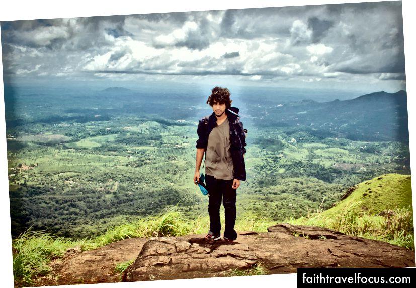 ปีนเขา Chembra Peak ใน Wayanad, Kerala ในเดือนมิถุนายน 2014
