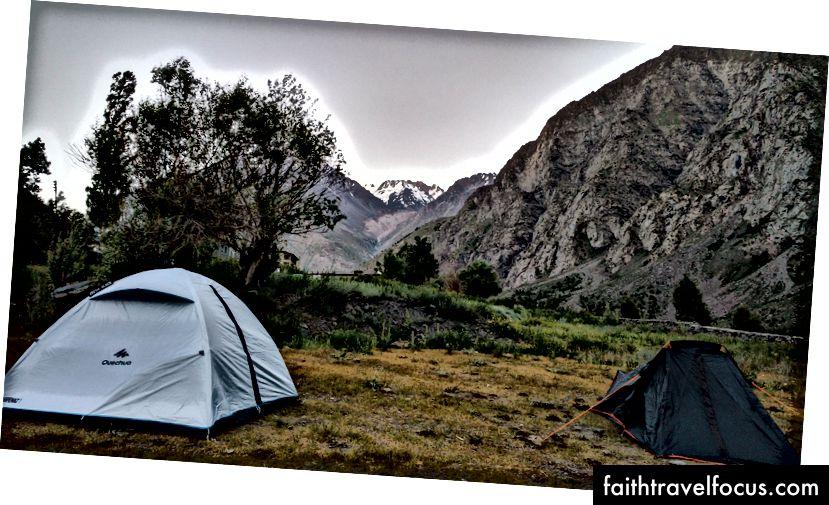 เต็นท์ของเราแหลมสำหรับการนอนหลับที่ดี - Jispa, Himachal, India