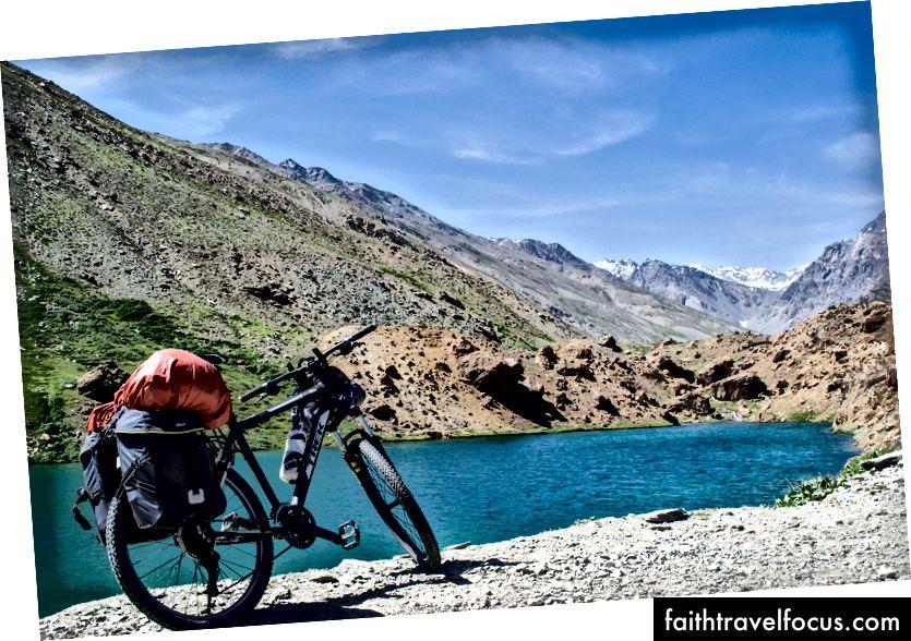 Трек 4300 у Деепак Тал, Патсео, Химацхал, Индија