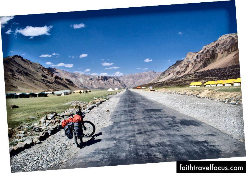 ใกล้เมือง Sarchu รัฐหิมาจัลประเทศอินเดีย